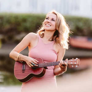 Natalie Aley: Instagram Influencer, Ukulele and Voice - Ukulele Player / Hawaiian Entertainment in Los Angeles, California