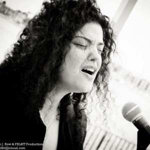 Natalie Wattre - Singing Guitarist / Wedding Singer in Thousand Oaks, California