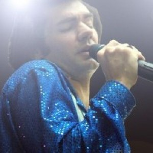 Keith Allynn as Neil Diamond