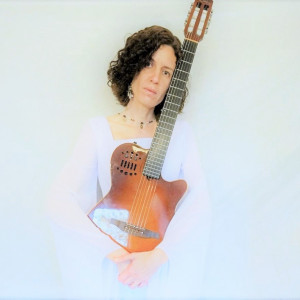 Nicole Lisa Craig - Singing Guitarist / Folk Singer in Gatineau, Quebec