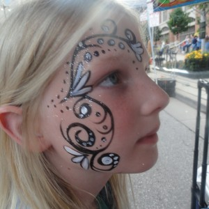 Nicole's Face Painting - Face Painter in Milwaukee, Wisconsin