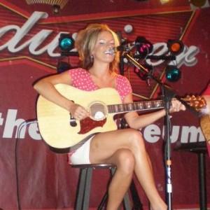 Nina Yanz Live