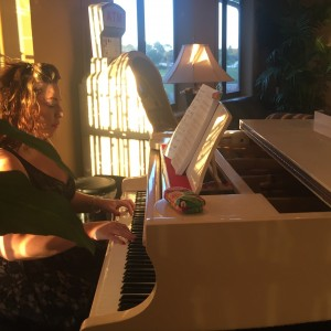 Rebekah Piatt Pop music with Pizazz - Pianist / Singing Pianist in Orlando, Florida