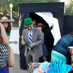 On Cue Photo Booth - Photo Booths / Wedding Entertainment in Yorba Linda, California