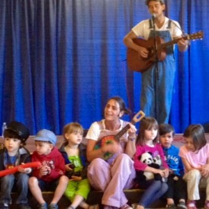 One Family Vibration - Children's Party Entertainment / Children's Theatre in Westbrook, Connecticut