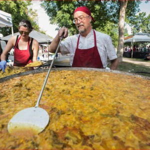 Paella by Los Dos Paelleros - Caterer / Wedding Services in Fort Collins, Colorado