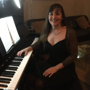 Paula Maya - Pianist in Austin, Texas