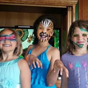 Peace, Love, & Face Paint - Face Painter / Halloween Party Entertainment in Maplewood, Minnesota