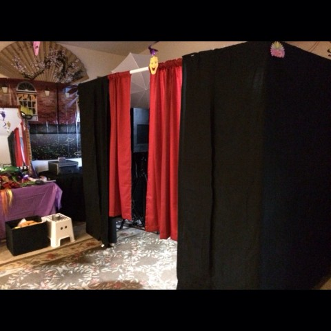 Hire Peek-a-Boothed - Photo Booths in Las Vegas, Nevada