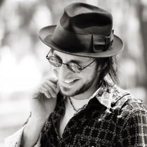 Phillip Bonanno - Singing Guitarist in Cleveland, Ohio