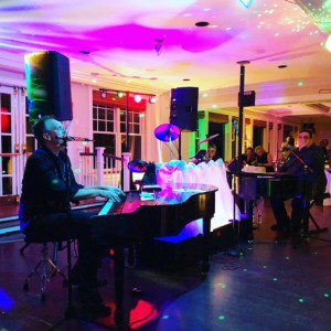 Ivory Rockers Dueling Pianos - Dueling Pianos / Party Band in Revere, Massachusetts