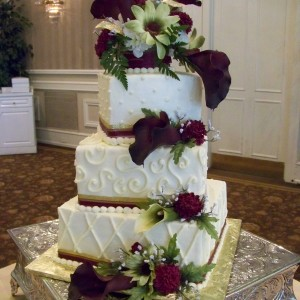 Piece O' Cake Creations - Wedding Cake Designer / Cake Decorator in Dover, Pennsylvania