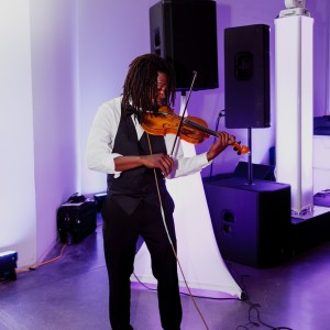 Preston - Violinist / Wedding Entertainment in Cincinnati, Ohio