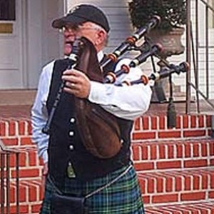 Provides music of Scotland and Ireland - Bagpiper in New Orleans, Louisiana