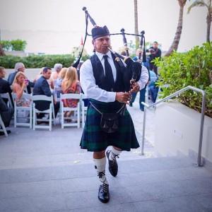 Puerto Rico Bagpiper - Bagpiper / Wedding Musicians in San Sebastian, Puerto Rico