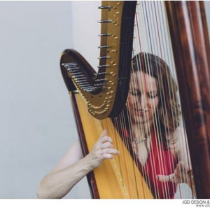 Raelyn Olson - Harpist in Portland, Oregon