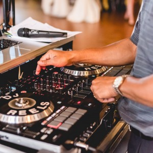 Reel Entertainment - Mobile DJ / Outdoor Party Entertainment in Debary, Florida