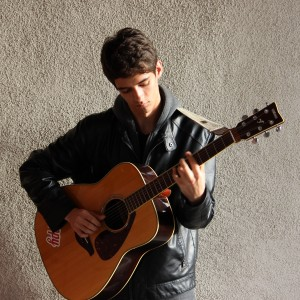 Reid Bartlett:Singer/Guitarist - Singing Guitarist in Roseville, California