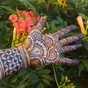 Resonance Henna - Henna Tattoo Artist / College Entertainment in Fairfield, California