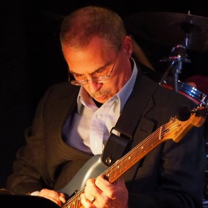 Rick Davis - Singing Guitarist / Jazz Guitarist in Northville, Michigan