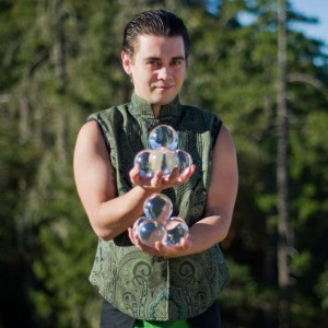 Riel Green - Juggler in Eugene, Oregon