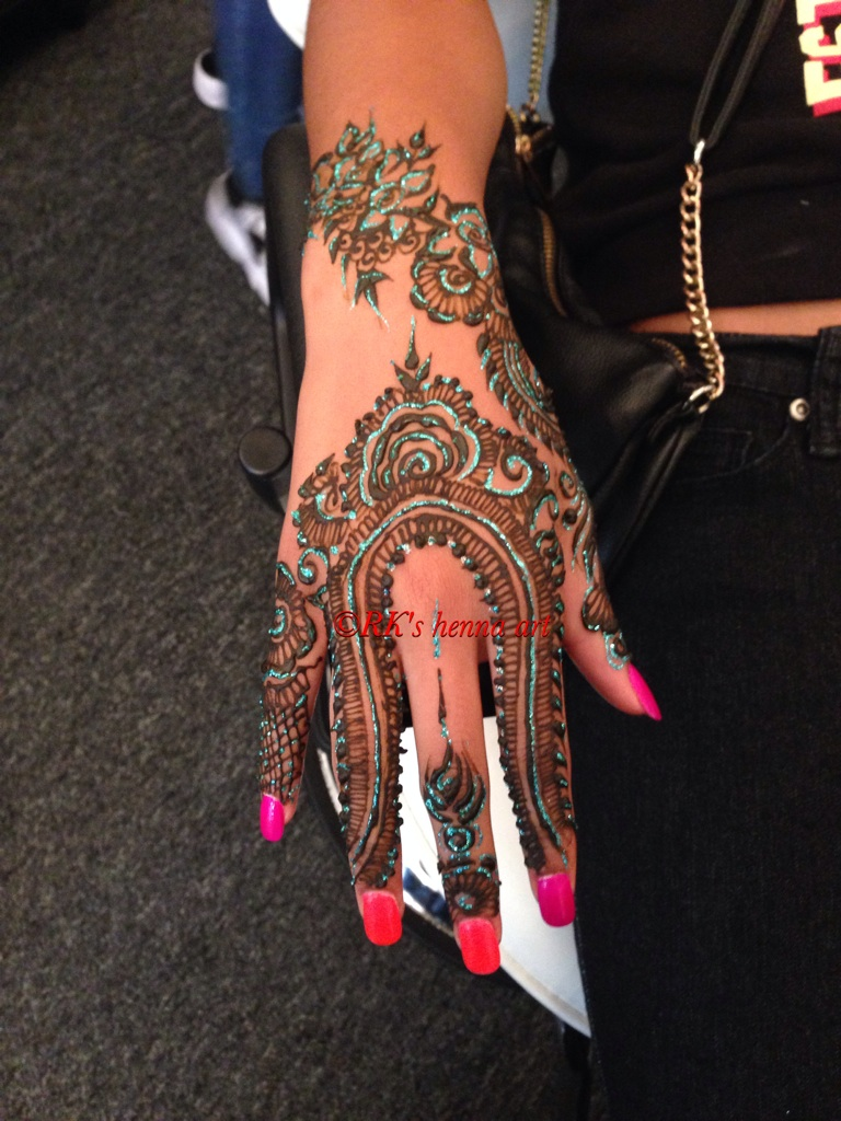 Hire rks henna art henna tattoo artist in west chester ohio for Tattoo shops in west chester