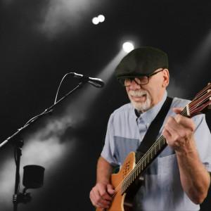 Robert Armand - Singing Guitarist / 1970s Era Entertainment in Hood River, Oregon