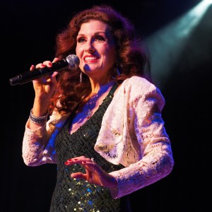 Robin Kelly - Tribute to Karen & Richard Carpenter - Karen Carpenter Tribute / Cabaret Entertainment in Orange County, California