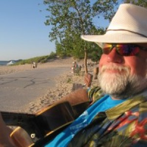 Ron Van Lente - Troubadour - Singing Guitarist in Coloma, Michigan