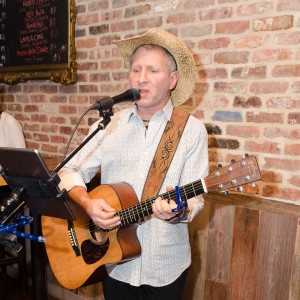 Russell Breiter Acoustic - Singing Guitarist in Plainview, New York
