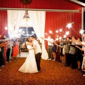 Rustic Barn Weddings at Sweet Pea Ranch