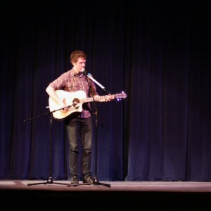 Ryan Tenholder - Singing Guitarist in Topeka, Kansas