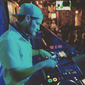 Sam Van Damme - DJ / Mobile DJ in Chicago, Illinois