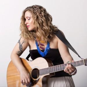 Sandra Bouza - Acoustic Band in Toronto, Ontario