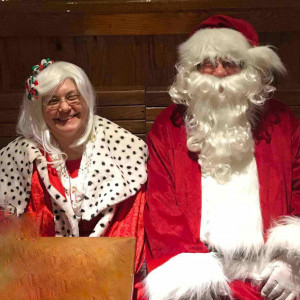 Santa and Mrs. Claus - Santa Claus / Mrs. Claus in Hamilton, Ohio