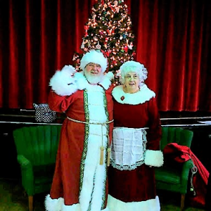 Santa and Mrs Claus - Santa Claus / Holiday Party Entertainment in Putnam, Connecticut
