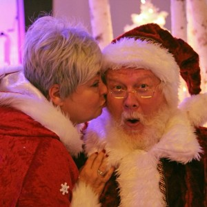 Santa Claus is Coming to Town - Holiday Entertainment in Salem, Oregon