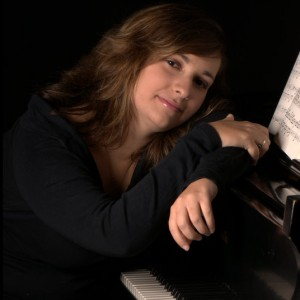 Sara Reddington Music - Singing Pianist in Dover, Pennsylvania