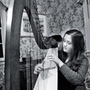 Sarah Van Sciver - Singing Pianist / Harpist in Valencia, California