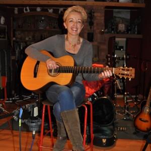 Sass - Singing Guitarist in Nashville, Tennessee