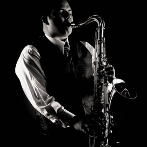 Saxophone & flute Carlos Ruiz - Saxophone Player / Woodwind Musician in Houston, Texas