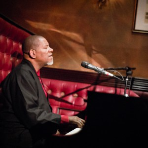 Scotty Wright - Jazz Throat - Singing Pianist in Monterey, California