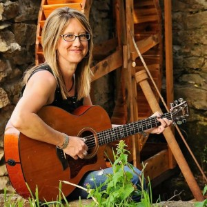 Shannon Stine - Singing Guitarist / Wedding Musicians in Springfield, Missouri