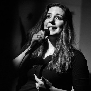 Shawna Edward - Stand-Up Comedian in Toronto, Ontario