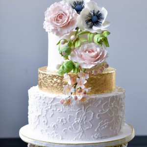 Shiny Ball Cakes and Creations - Cake Decorator in Attleboro, Massachusetts