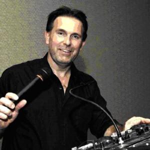 Showtyme DJ/Karaoke Service - Karaoke DJ in Pewaukee, Wisconsin