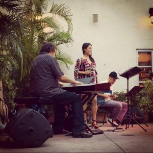 Singer Nanami Jazz Band