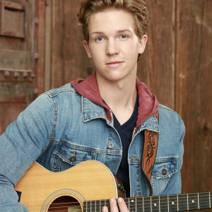 Wyatt Rhinehart - Singing Guitarist in San Diego, California