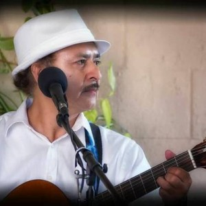 Burbank Singing Guitarist - Singing Guitarist / Latin Band in Burbank, California