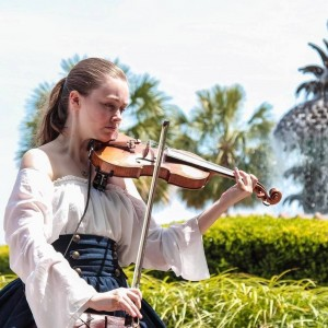 Solo Violin by Savannah - Violinist / Strolling Violinist in Charleston, South Carolina